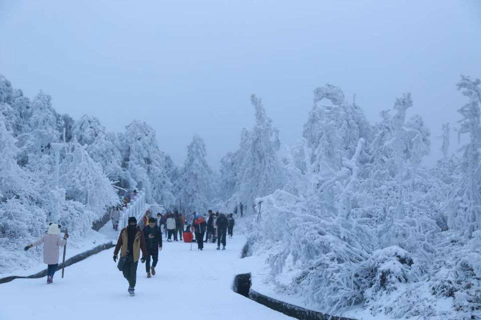 2018.12.30-31南岳衡山祝融峰看冰淞雾凇和云海