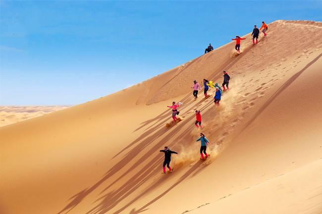 腾格里沙漠徒步